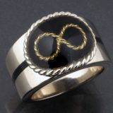 永遠を意味するメビウスの環のセンチメンタルリング